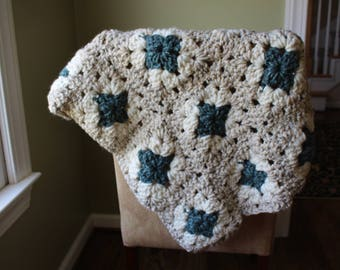 Tricolor Small Crotchet Blanket