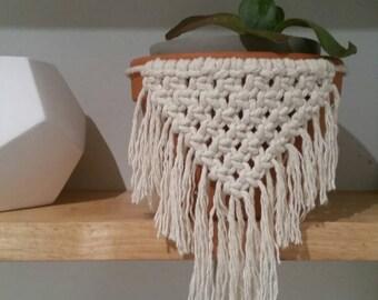Macrame plant hanger cuff