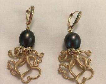 Black Tahitian Pearl and Diamond Octopus Earrings set in 14 ct Gold, Black Tahitian Pearl Earrings, Octopus Earrings