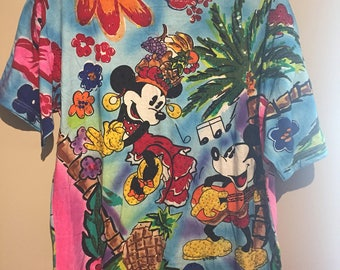 Vintage Island Themed Mickey and Minnie Mouse T Shirt