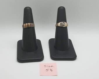 set of two silver rings - size 5.5