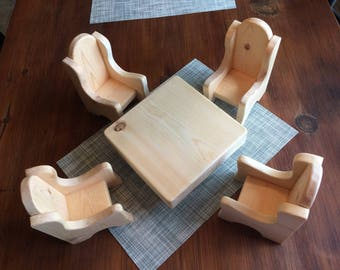 Doll sized table and chairs set