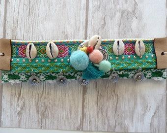 Sea Shell Bracelet. Bohemian jewelry. Beach bracelet. green. Tassel bracelet. Coachella bracelet. crochet bracelet