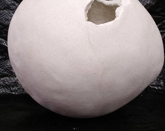 Concrete egg