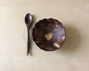 Set of 2 Coconut Bowls & Spoons