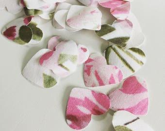 Floral heart table confetti