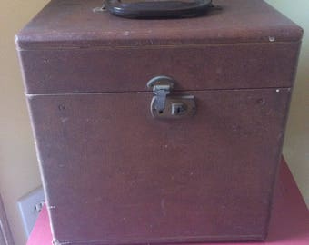 1950s Authentic Original Retro Vintage 45 Record Case Box with Handle and 49 Numbered Files for Records