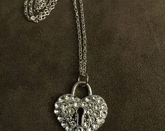 Locked Heart Pendent Necklace