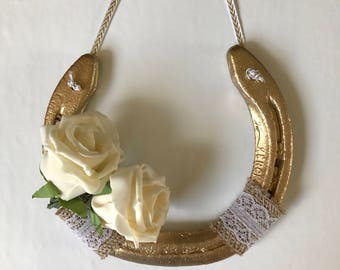 Real lucky wedding horseshoe in gold