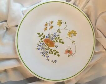 "Vintage Corelle salad plates in Wildflower ""Spring Bouquet"""