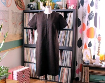 1960s dress . black and brown shift dress with front zipper . large xl house dress . vintage womens 60s dress by Mynette