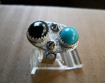 Native American Turquoise & Onyx Ring sterling silver size 8