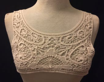 Wrap Around Collar Applique