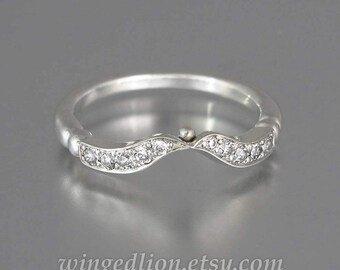 DELIGHT 14K white gold wedding band with white sapphires