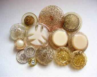 Neat Lot of Various Vintage Encased Glitter Plastic Buttons