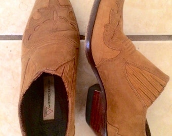 Vintage 1990's guess leather ankle boots, womens size 5