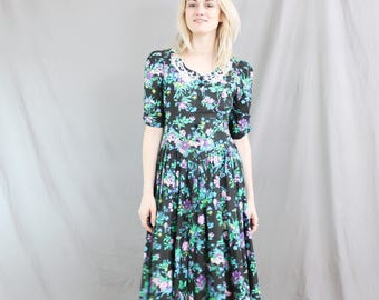 1980's Floral Prom or Party Dress / Formal / Women's Medium / Size 8 / Black Floral Green / Bib front / Pleated / embroidery flock gown