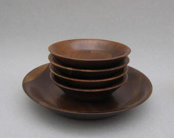 Vermillion Walnut Salad Bowls 1950s Vintage Real Walnut Wood Mid Century Modern Shallow Bowls 5 Piece Set