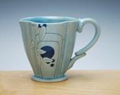 Deco Deluxe clover cup in Aqua gloss w. Blue Polka dots, Victorian mod