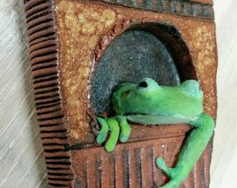 Ceramic Treefrog Reliquary, Frog Tile