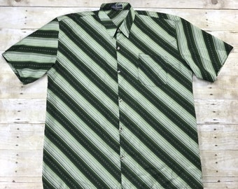 Vintage 1970s 70s Boucheron Paris Shades of Green Striped Button Up Shirt Mens Streetwear Menswear Size Large