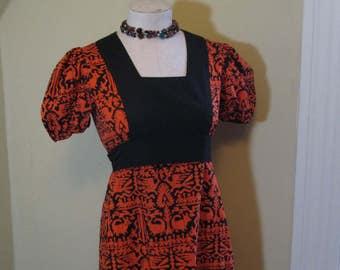 70s Vintage African batik Dress Short caftan dress 70s Boho Dress Dogs Birds Geometric Print dress Puffy sleeves 70s vintage empire dress M