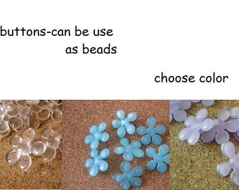 10 Vintage buttons plastic flowers can be use as beads, great for button jewelry, 18mm