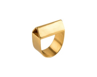 Robyn Ring, fashion rings, minimalist gold ring, geometric gold ring, unique gold ring, unique rings for her, contourstudio, womens rings