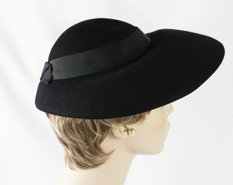 Vintage 1960s Hat Black Wide Poke Brim by Armande Sz 21