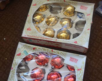 Eighteen (18) Vintage Red Gold Shiny Brite Mcm 1950s Glass Christmas Tree Balls Ornaments