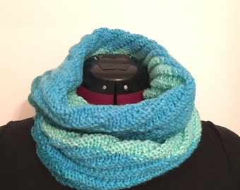 Small knit cowl scarf, Ombre knit cowl, Blue winter gift for her, Handknit cowl