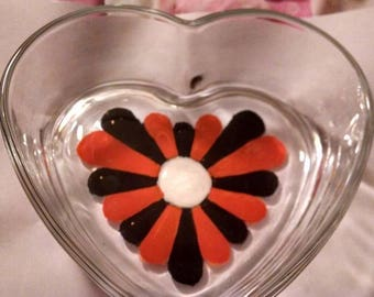 Orange and Black Painted Flower on Heart Shaped Glass Dish Team Colors Football Basketball Sports Theme Party Favor Graduation Wedding