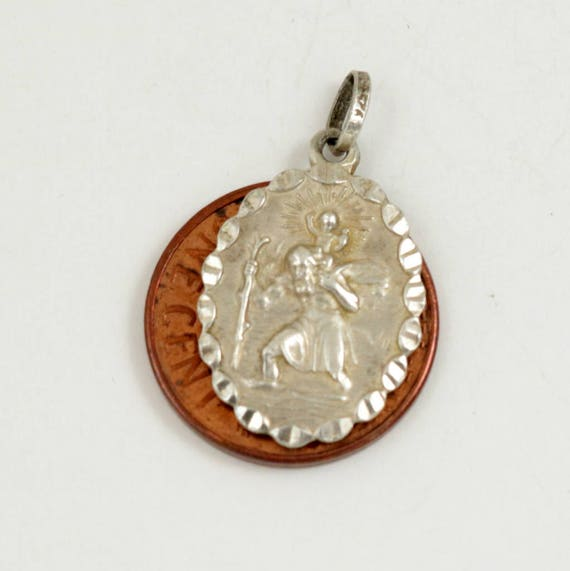 Vintage St Christopher Pendant, Sterling Silver Saint Christopher Charm, Oval Pendant, Travel Saint, Protection Amulet, Lucky Charm