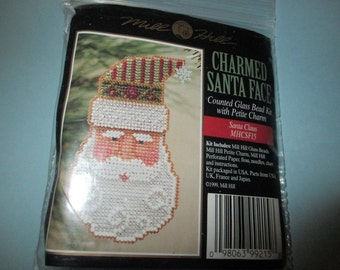 Mill Hill Beaded Holiday Pin or Ornament Santa Claus Kit MHCSF15
