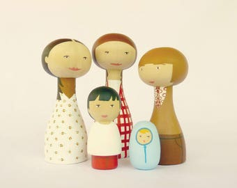 Retro Wood Peg Family of 5 Portrait Dolls with one teenager FREE SHIPPING Personalized - Wooden hand painted father mother