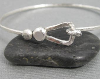 Sterling Silver Hammered Latch Bangle Bracelet with Triangular latch, Artisan Handmade Sterling Silver Bangle with sterling granule accent