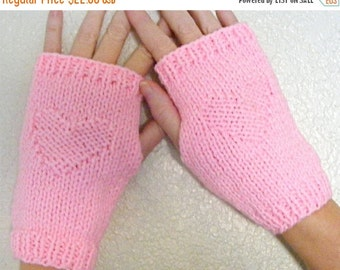 Black Friday sale Knit Gloves for Women, Fingerless Gloves, Fingerless Mittens Pink Heart, Pink Heart Impression Gloves, Ready to Ship