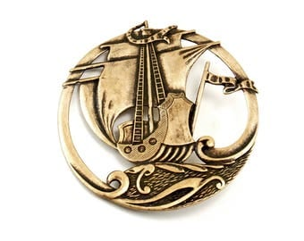 Nautical Pirate Ship Brooch Pin in Antiqued Brass - Round with Cut-Out Image