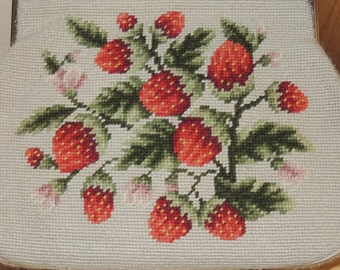 Strawberries Needlepoint Purse Vintage 1960s