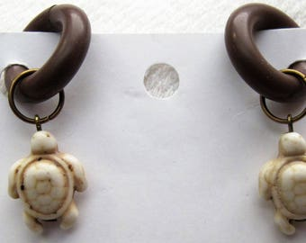 Beige Turtles non-pierced Rubber Earrings pr