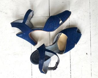 Sibley perforated peeptoe heels | vintage 1940s shoes | blue 40s peeptoe shoes 6.5