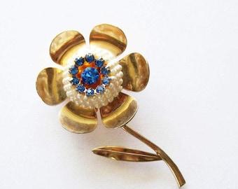 Vintage  Blue Rhinestone Flower  Pin