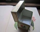 Vintage Recipe Box , Vintage Kitchen , Folksy Tin Recipe Box, Rosemaling Styled Art, Vintage Cooking, Traditions, Sharing Recipes, Folk Art