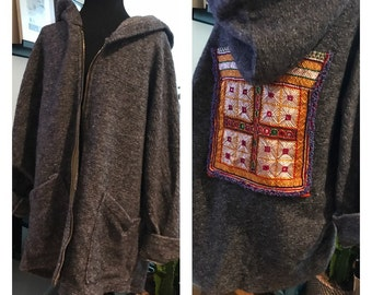 Jacket in gray wool and handmade appliques