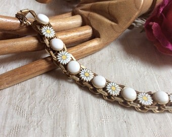 Vintage multi daisy white bead big link chain bracelet, heavy links white yellow daisies bracelet, security chain retro daisies link chain