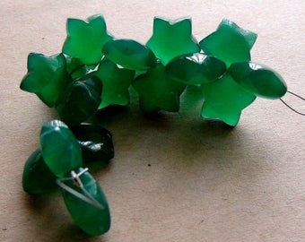 SALE Green onyx carved flower smooth polished beads- 10mm- 1 matched pair