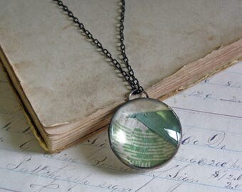Retro Quilt Top Glass Long Necklace Stained Glass Jewelry Green