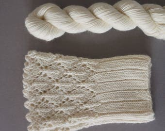 Hikaru / Super soft merino cashemere blend / small skeins for wrist warmers / natural colour