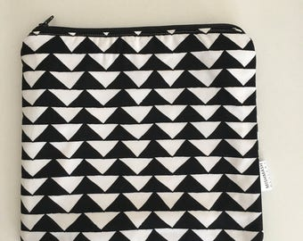 Zippered Wet Bag with Waterproof Lining - Black and White Triangles