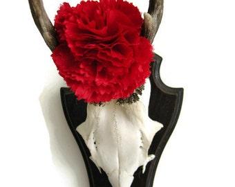 Handmade Bright Scarlet Blood Red Fabric Carnation Flower Lapel Pin Boutonniere Corsage. Tweed ride wedding groom real gentlemen must have!
